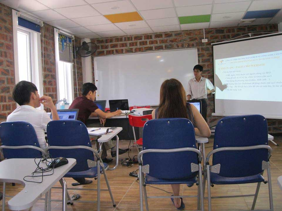 Công ty WIN WIN MEDIA tổ chức đào tạo SEO website tại doanh nghiệp
