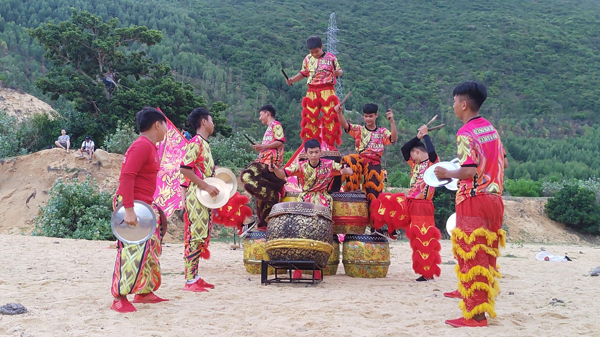 Công ty múa Lân Sư Rồng tại Vĩnh Phúc