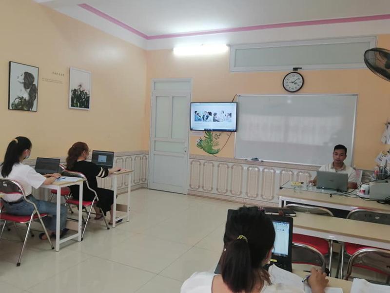 Hỗ trợ marketing online cho các trung tâm ngoại ngữ